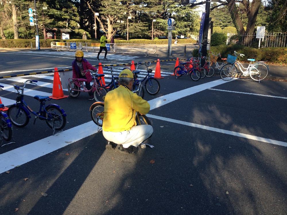 уроки по вождению велосипеда в Токио