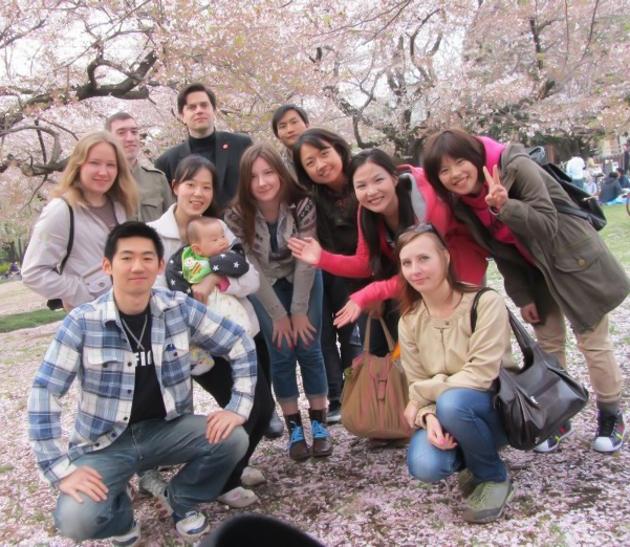 Сакура, Япония, студенты школы японского языка Китидзёдзи