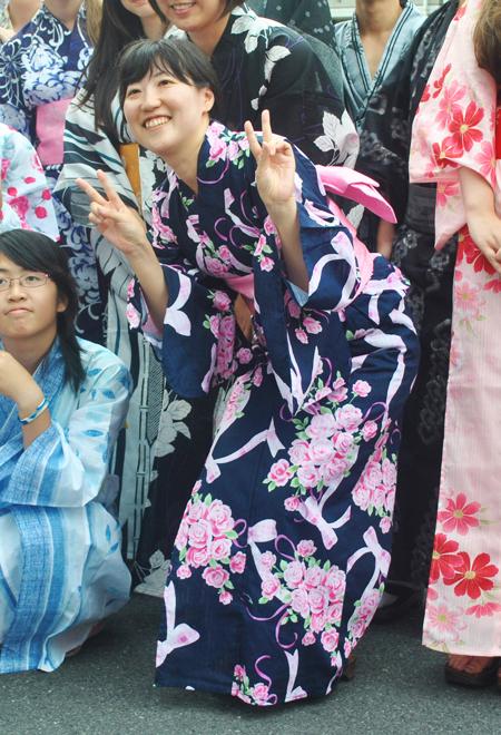 мероприятия для студентов, переодевание в кимоно