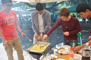 барбекю, студенты языковой школы