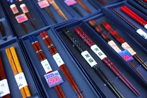 торговая улица, японские палочки