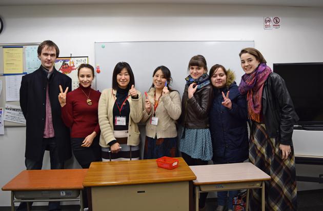 студенты языковой школы
