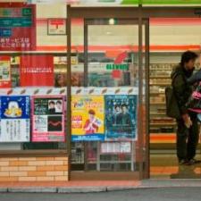 Число иностранцев, занятых неполный рабочий день в магазинах Японии, стремительно растет