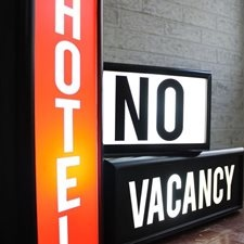 Что делать, если бронь оказалась недействительной и в отеле нет свободных мест?