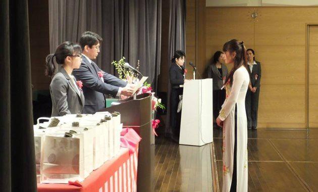 выпускная церемония в языковой школе