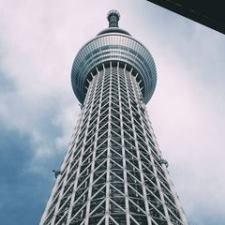 От студента японской языковой школы до международного специалиста