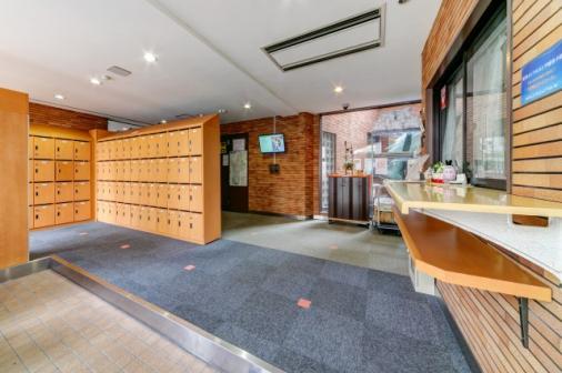 Женское общежитие в Токио