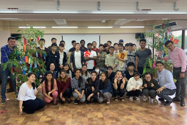 дружный коллектив школы Hosana Nihongo Gakuin