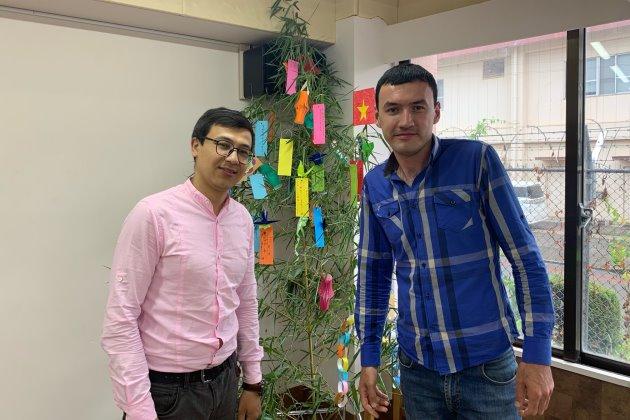 Джанибек и Азамат - студенты из Узбекистана